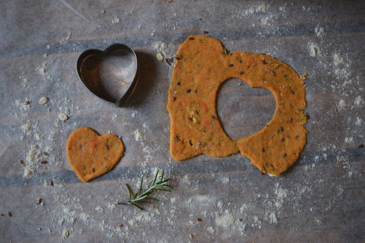 snappy-sweet-potato-crackers-1