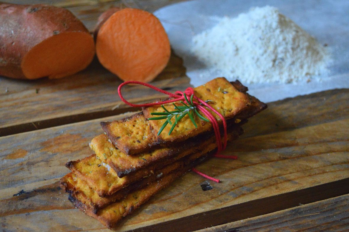 snappy-sweet-potato-crackers-2