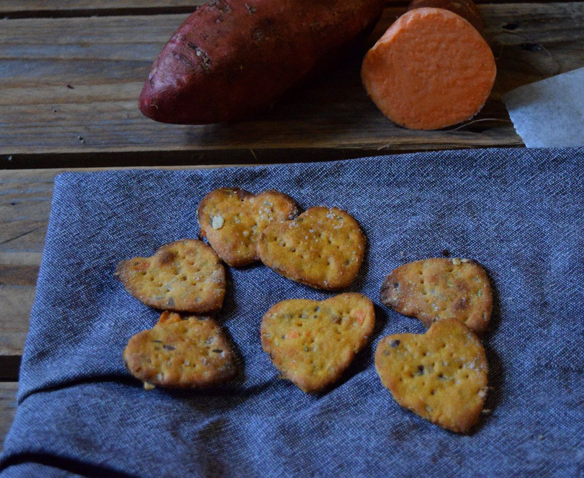 snappy-sweet-potato-crackers-4