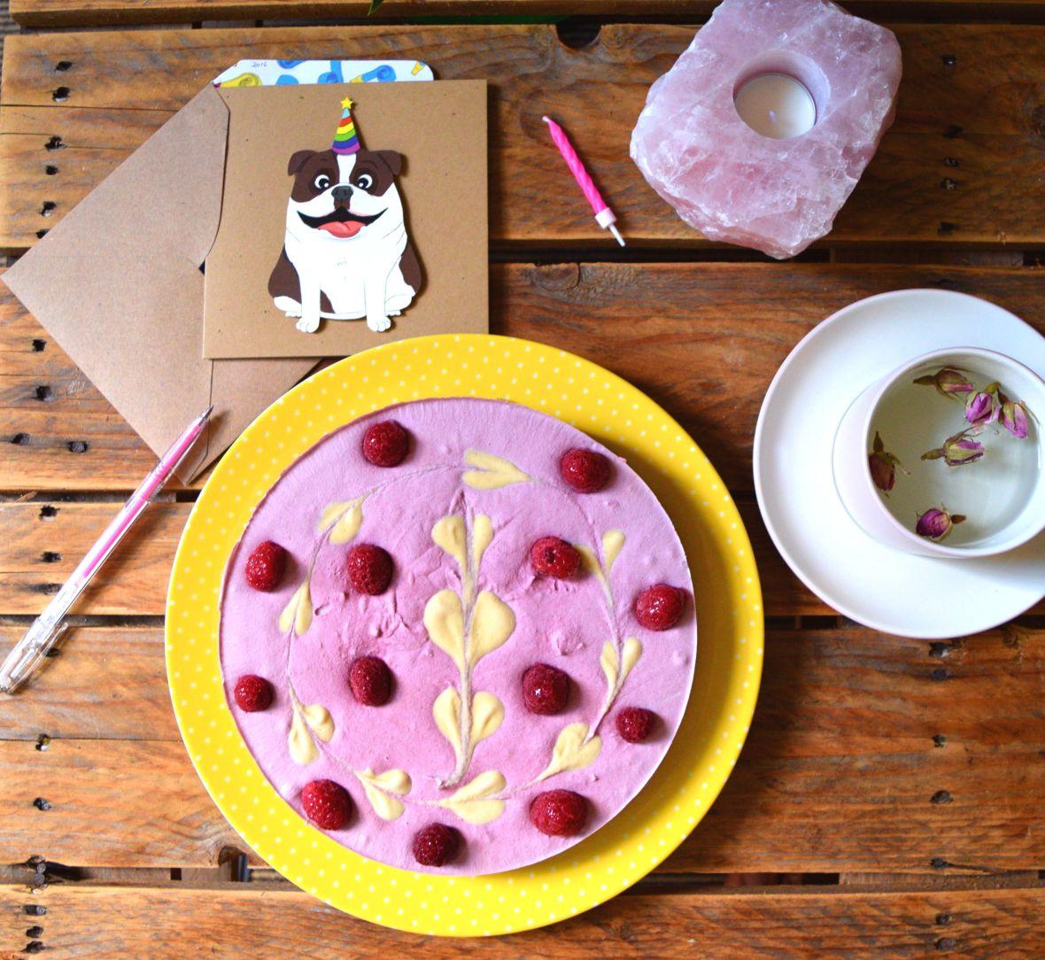 raw-vegan-raspberry-cheesecake-0