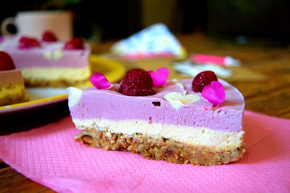 raw-vegan-raspberry-cheesecake-3