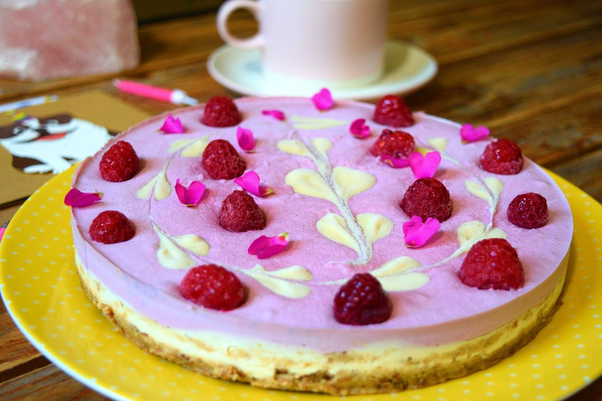 raw-vegan-raspberry-cheesecake-5
